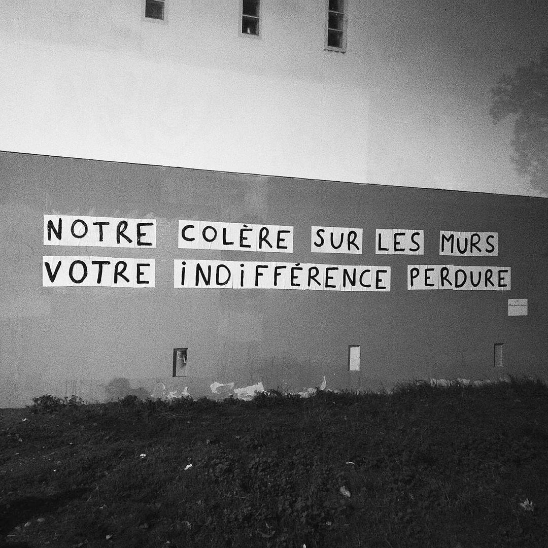"""Collage féministe à Toulouse """"notre colère sur les murs, votre indifférence perdure"""""""