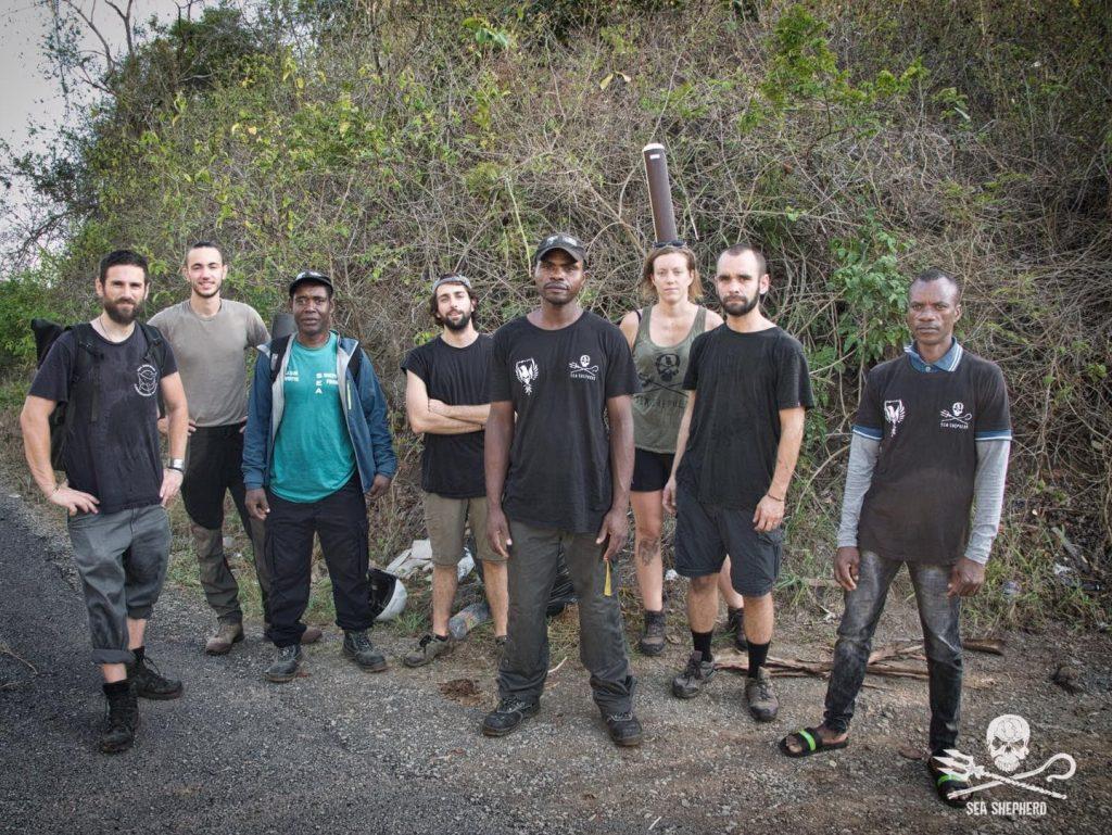 L'équipe de bénévoles de Sea Shepherd durant l'opération Nyamba à Mayotte