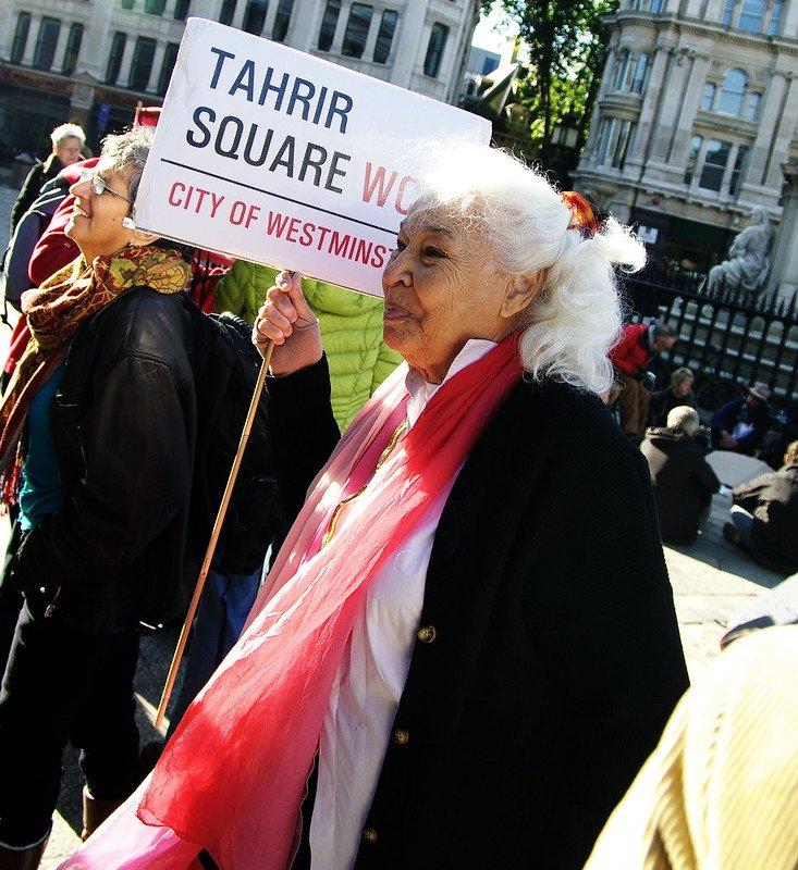 Nawal El Saadawi lors d'une manifestation à Londres en 2011