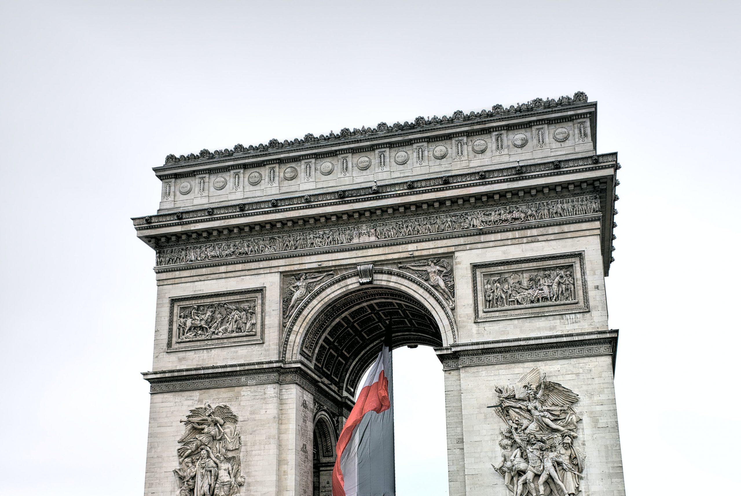 Arc de Triomphe, photo par Peter y Chuang pour Unsplash
